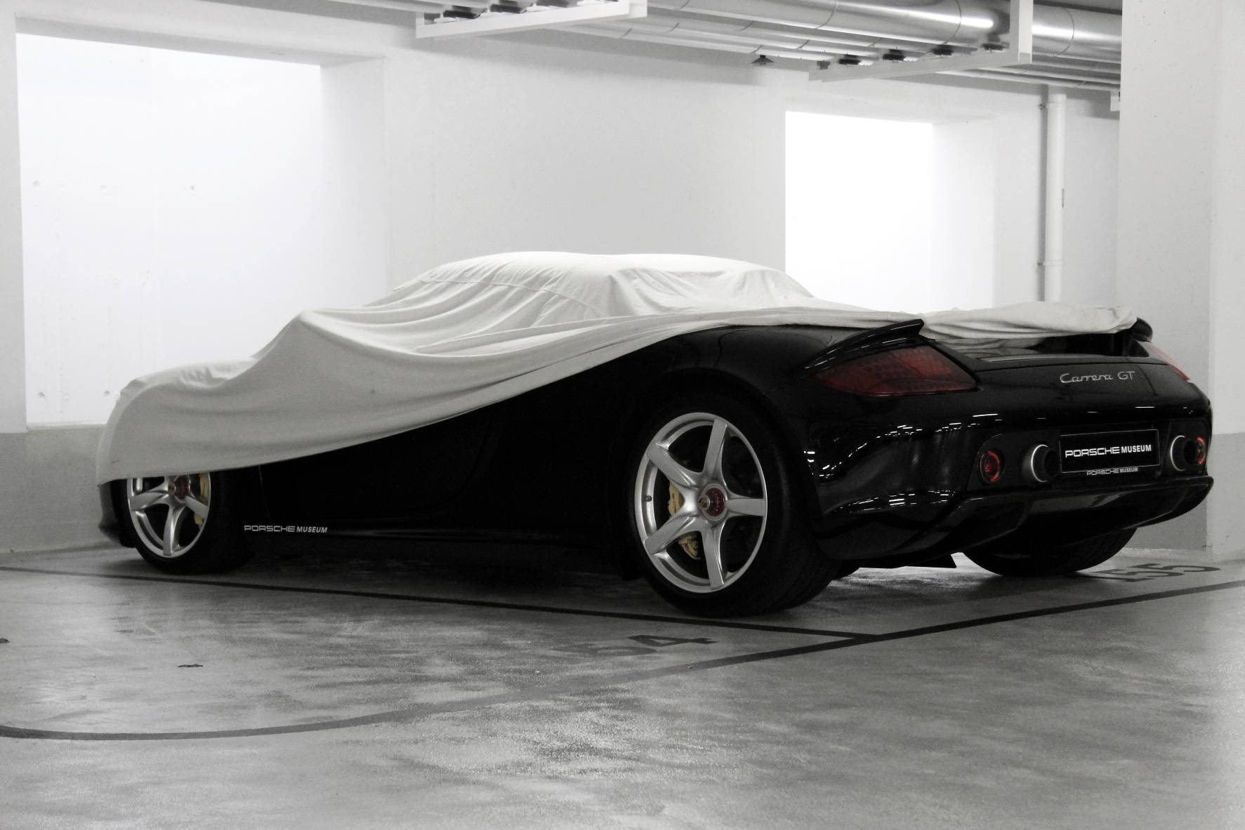 Porsche Carrera GT covered @ Porsche Museum